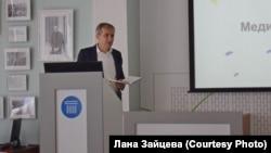 На лекции Томаша Гланца в Новосибирске. Студия 312