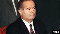 1991 йилда Ўзбекистон парламенти Каримовни ағдаришга уринди.