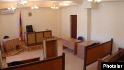 Հայաստանյան դատարաններից մեկի դահլիճը, արխիվ