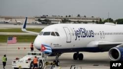 JetBlue tokom prvog slijetanja u avgustu u Havani