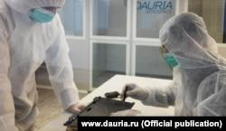 """Сборка микроспутника в компании """"Даурия"""""""