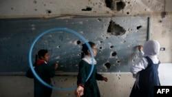 Школа в секторе Газа, разрушенная во время военного конфликта
