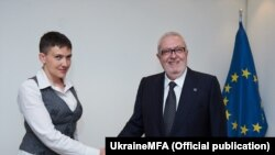 Народний депутат України Надія Савченко та голова Парламентської асамблеї Ради Європи Педро Аґрамунт. Страсбург, 20 червня 2016 року
