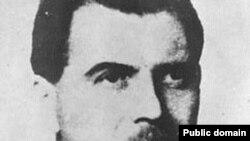 ژوزف منگل يکی از مهره های مهم سيستم کشتار در دوران آلمان نازی بود که در بازداشتگاه آشويتس آزمايش های وحشيانه ای را روی دو قلوها و کوتوله ها انجام می داد.