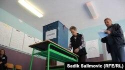Glasanje u Srebrenici provedeno je bez incidenata, a napetosti su uslijedile nakon što je počelo objavljivanje rezultata