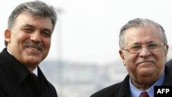 Turkish President Abdullah Gul and his Iraqi counterpart Jalal Talabani