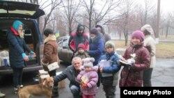Александр Болькин с гуманитарной помощью АТО