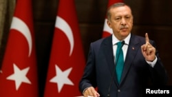 Turkish President Recep Tayyip Erdogan has sparked controversy at home and abroad by backing a widely disputed claim that Muslims reached America before Columbus. (file photo)