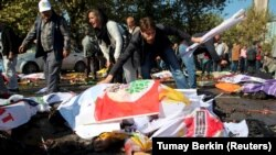 Iki partlamada 95 adam öldürildi. Ankara, 10-njy oktýabr, 2015.