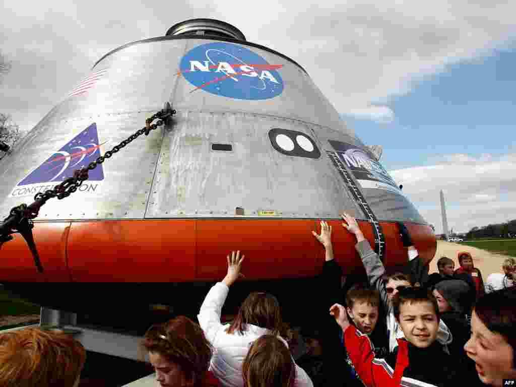 """В США представлен макет космического корабля нового поколения """"Орион"""""""
