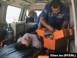 Медики оказывают помощь арысцам. Шымкент, 26 июля 2019 года.