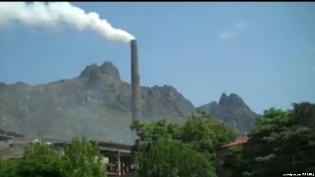Расторжение договоров с работниками Алавердского медеплавильного завода отложено еще на два месяца