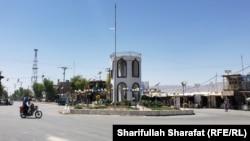 ارشیف، د ارزګان مرکز ترینکوټ، عکس تئزیني بڼه لري