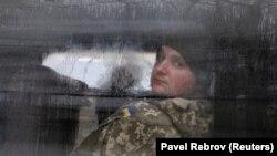 Затриманий український моряк після судового засідання в окупованому Росією українському Криму. Сімферополь, 28 листопада 2018 року
