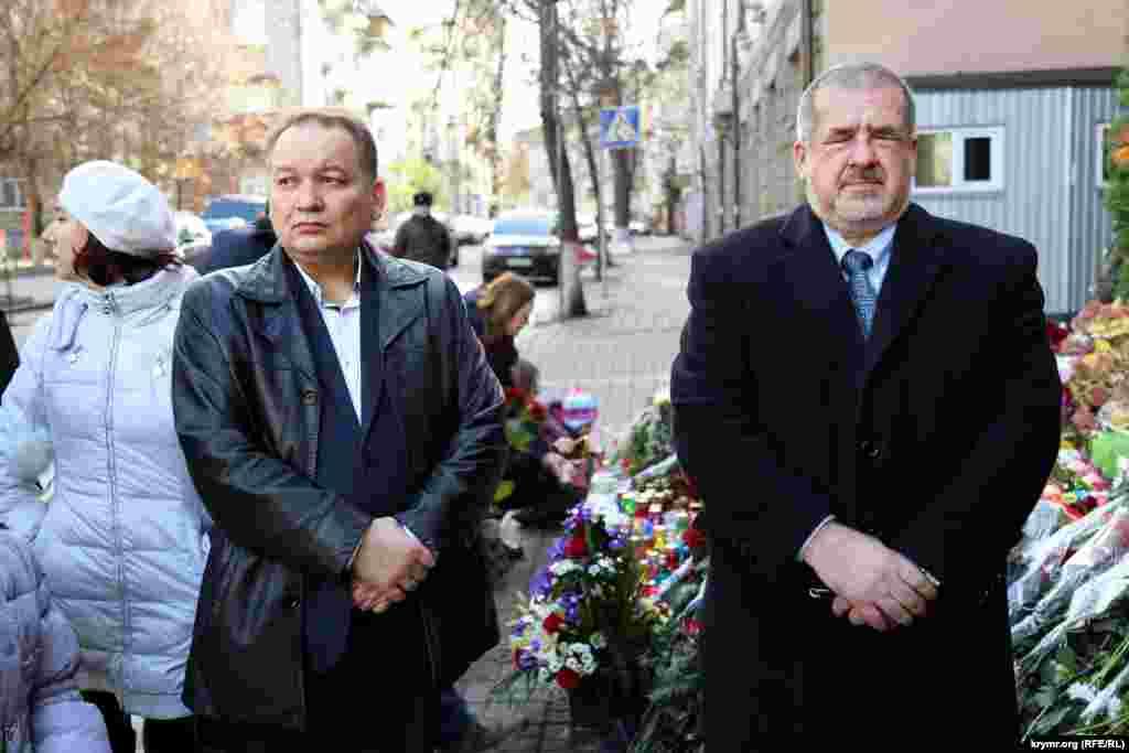 Ескендер Барієв і Рефат Чубаров (зліва направо)