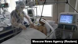 Пациент с коронавирусной инфекцией. Иллюстративное фото.