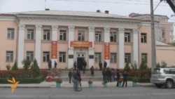 Kyrgyz Vote To Create Parliamentary Democracy
