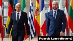 Slovenian Prime Minister Janez Jansa (left) and EU Council President Charles Michel (file photo)