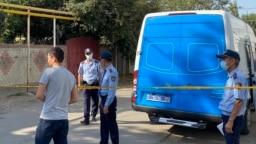 Акция в поддержку подозреваемого в убийстве алматинца, стрелявшего при попытке выселения его семьи. Алматы, 21 сентября 2021 года