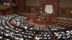 Япон сенаторлари императорнинг тахтдан воз кечиш қарорини маъқулладилар