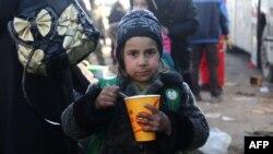 Izbeglice iz istočnog Alepa nakon evakuacije u pobunjeničke delove Sirije