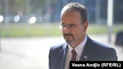 Ambasadori amerikan në Serbi, Anthony Godfrey.