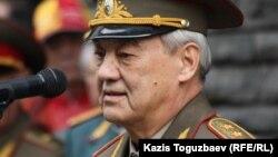 Қазақ ССР-і КГБ-сінің бұрынғы басшысы Болат Баекенов. Алматы, 5 сәуір 2012 жыл.