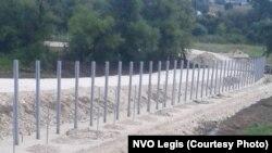 Serbi - Qeveria serbe po ndërton një gardh në kufirin me Maqedoninë e Veriut.