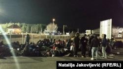 Migrantët në kufirin Serbi-Hungari.
