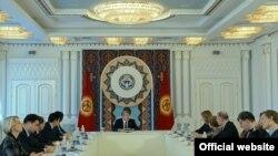 Алмазбек Атамбаев и делегация Европарламента.