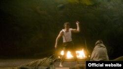 """Сцена из """"Преступления и наказания"""" в постановке Андреи Брет"""