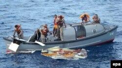 Пошук абломкаў самалёта ў акіяне