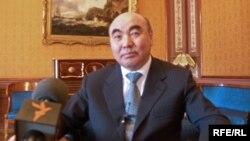 Мустақил Қирғизистоннинг илк президенти Асқар Ақаев.