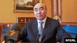 Қырғызстанның бұрынғы президенті Асқар Ақаев.
