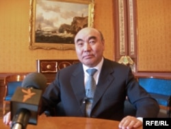 Аскар Акаев, экс-президент Кыргызстана, Москва, 23 марта 2010 года.