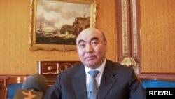 Mustaqil Qirg'izistonning ilk prezidenti Asqar Aqayev.