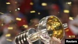 Кубок за победу в чемпионате мире - у сборной Чехии