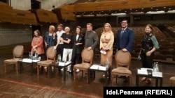 Групповое фото участников пресс-конференции
