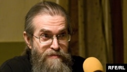 "Russia -- Yakov Krotov, priest, club ""Apartment 44"", 28Jan2009, свобода в клубах"