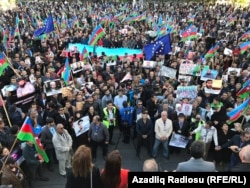 Opposition rally crowd in Baku