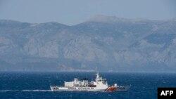 Një anije e marinës turke duke lundruar në ujërat e Detit Egje. Fotografi nga arkivi.