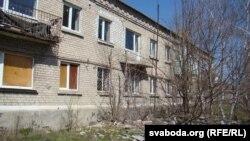 Адрамантаваны дом у вызваленым Валуйску, пакуль без жыхароў (фота Сяргея Целіжэнкі)