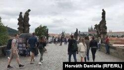У Чехії громадянам забороняєтьсявиходити з дому після 21:оо і до 5:оо