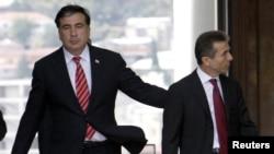 Вначале команда президента не сознавала всей серьезности угрозы со стороны Иванишвили