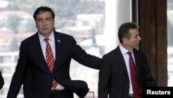 Միխեիլ Սաակաշվիլիի եւ Բիձինա Իվանիշվիլիի հանդիպումը Վրաստանի նախագահի նստավայրում, Թբիլիսի, 9-ը հոկտեմբերի, 2012թ.