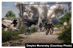 Постановочное фото из зоны АТО, поданное как фото в боевых условиях