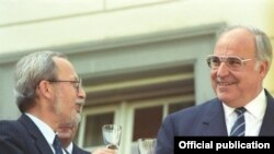 Lothar de Maiziére și Helmut Kohl în 1990