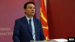 Министерот за транспорт и врски Горан Сугарески.