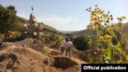 На одном из кладбищ в Джалал-Абадской области. Фото не имеет отношения к статье.