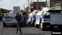 В службе национальной безопасности Армении заявили, что распространяемая всоцсетях информация о«начале восстания» несоответствует действительности